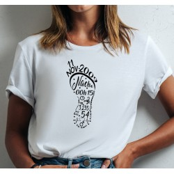 Camiseta recuerdo de nacimiento HUELLA  PIE DE BEBÉ personalizada con los datos del nacimiento Huella pié