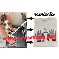 Camiseta personalizada con las huellas de tu perro y las tuyas escaneadas