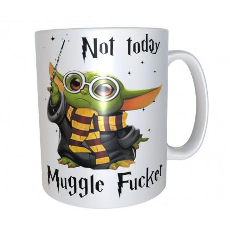 Taza Baby Yoda estilo Harry Potter Muggle 7€